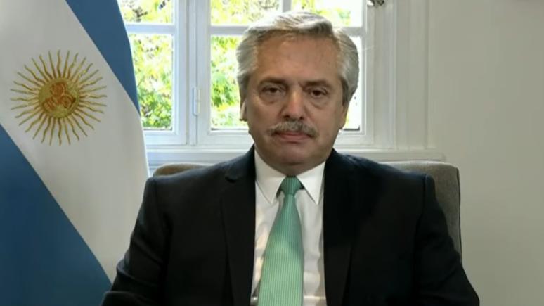 Fernández anunció que suspenden la repatriación de argentinos varados