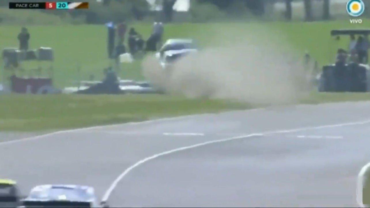 Impresionante accidente en el TC Pista en Paraná