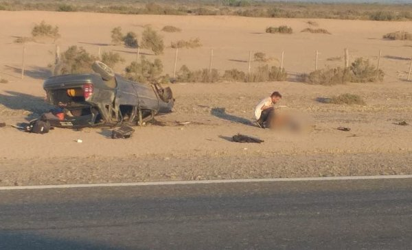 Un auto volcó cerca del control San Carlos - Diario Huarpe