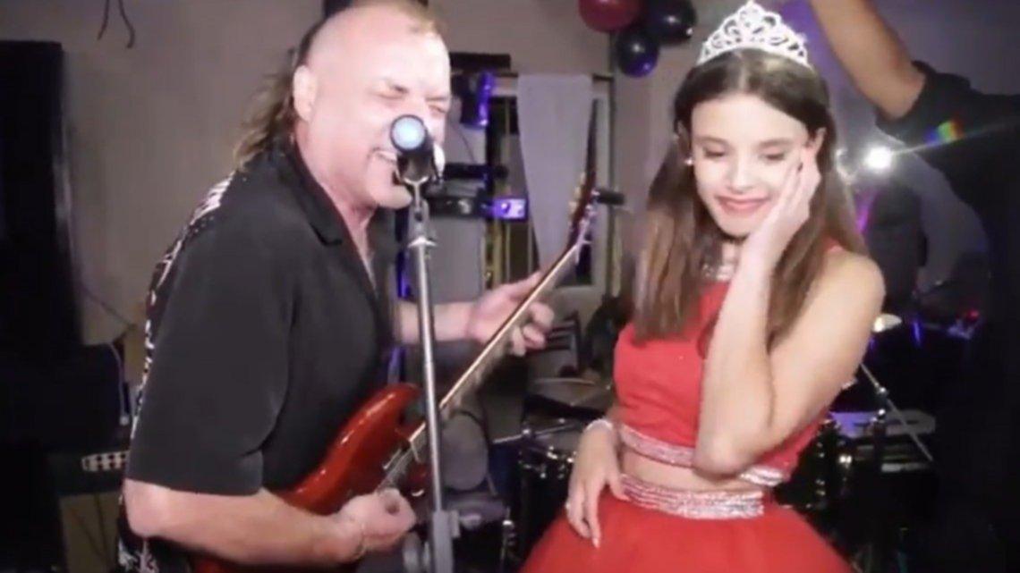 La Renga sorprendió con un show...¡en una fiesta de 15!